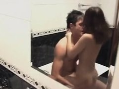 Amateur sex in bathroom