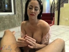 Slutty wife give the best bj and oily handjob to a friend of her husband