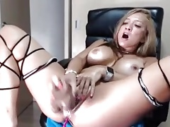 Horny Pretty Chick Pussy Play